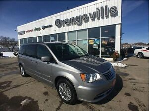 2016 Chrysler Town & Country TOURING-L, NAV, ROOF, DUAL DVD