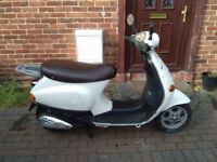 2002 Piaggio Vespa ET2 50 automatic scooter, new 1 year MOT, not restricted, does 45 mph, fast 50cc