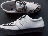 MENS WHITE & BLACK SHOES (like Beetle crushers) sz 11, good condition