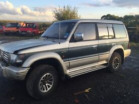 mitsubishi pajero 2.5 td auto breaking for spares most parts availble