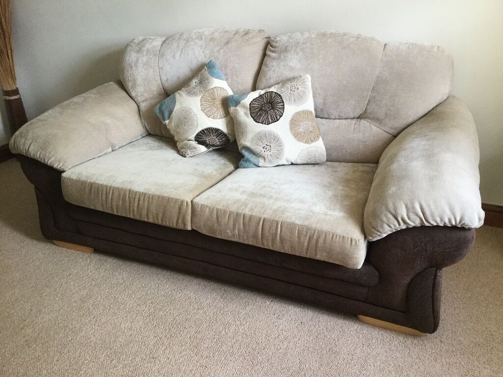 Sofa Bedin Leeds, West YorkshireGumtree - Sofa Bed in excellent condition W 190 D 95 Chenille Foux Leather Buyer must collect
