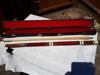 Riley three piece snooker cue with hard case