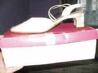 Satin ivory size 5 wedding shoes
