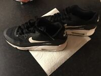 Size 5 1/2 Nike airmax trainers £10