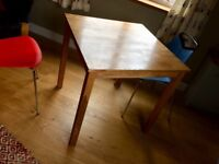 An Oak dining table only 6 months old 8m x 80cms to collect from Exmouth town centre near station