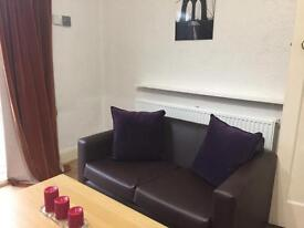 BIG DOUBLE BEDROOMS BUT NO FEES