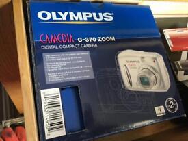 **OLYMPUS DIGITAL COMPACT CAMERA C370 ZOOM**