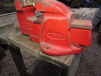 In good used condition. Paramo no. 1 bench mounting heavy duty vice. Cromford or Nottingham