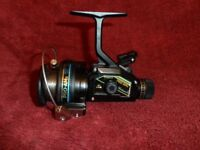 Vintage Shakespeare Pro- AMx 2130 040 Graphite Spinning Fishing Reel id589