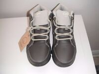 WALKING BOOTS - Cotton traders Brand new boots - size 5 unisex - brown
