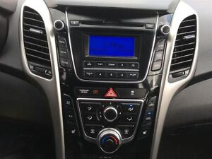 2016 Hyundai Elantra GT OUT!/PRICED FOR A QUICK SALE! Kitchener / Waterloo Kitchener Area image 19