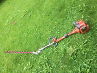 HUSQVARNA HEDGE TRIMMER WITH STRIMMER ATTACHMENT - spares or repair