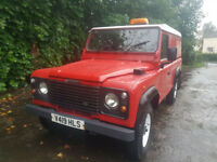 """Land Rover td5 110 Lwb 1999 """"v"""" red with white roof and wheels"""