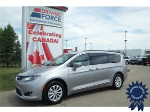 2017 Chrysler Pacifica Touring-L Front Wheel Drive - 15,739 KMs