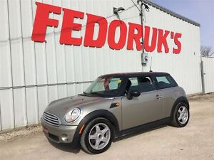 2009 MINI Cooper Hardtop Classic Package***DETAILED AND READY TO