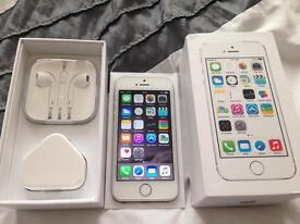 iPhone 5S 16GB White Like New Mint Condition Unlocked SimFree