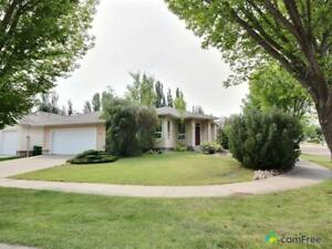 $519,900 - Bungalow for sale in St. Albert