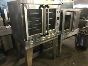 2 electric convection ovens for only $1395 each ! Shipping anywhere in Canada for only $200
