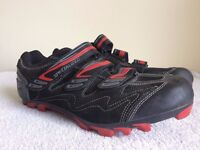 Specialized Clip in MTB shoes and Shimano pedals, Size UK 11.5 EU 47