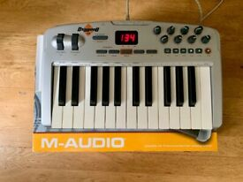 M-Audio OXYGEN 8 V2 25-Key Octave Controller Keyboard.