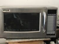 Hardly used maestrowave commercial microwave oven 1200w