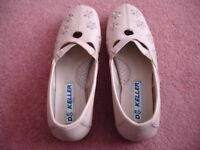 Ladies' size 7 Dr. Keller beige shoes