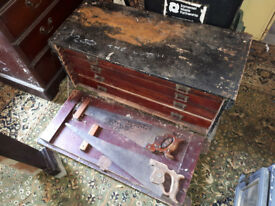 VINTAGE EDWARDIAN CARPENTERS / JOINERS / CABINET MAKERS TOOL CHEST AND TOOLS IN YEOVIL