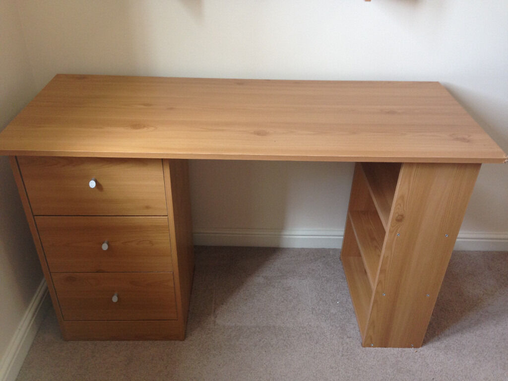 argos malibu 3 drawer desk oak finish in llanelli. Black Bedroom Furniture Sets. Home Design Ideas