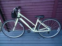 Giant Escape 4W Ladies Hybrid Bike