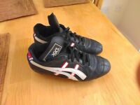 Asics Genova leather football boots (size 5)