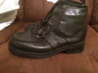 black shoes size 11 made by good yeaRS