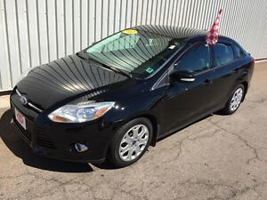 2012 Ford Focus SE LOW KM SEDAN WITH GREAT FUEL ECONOMY AND A...