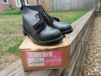 Size 8 Tuskers safety boots