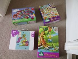Bundle of children's toys / games / jigsaw puzzle
