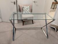 Glass top desk in very good condition