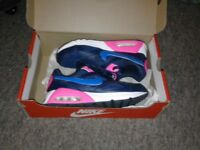 Nike air max trainers and bits