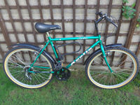 mens apollo bike with free d-lock and 2 keys,excellent condition ready to ride