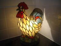 TIFFANY STYLE ROOSTER LAMP PERFECT CONDITION