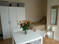 007G-WEST KENSINGTON – DOUBLE STUDIO FLAT, SINGLE PERSON,FURNISHED, BILLS INCLUDED - £250 WEEK