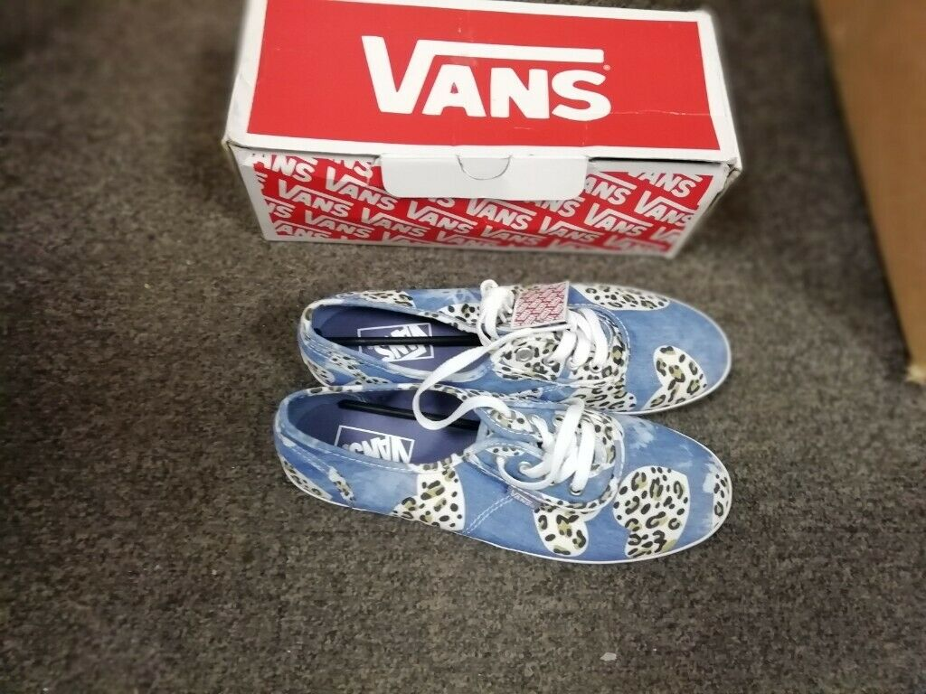 fe1444bd3632 Brand new ladies vans for sale size 7