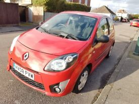 MY LOVELY 2008 RENAULT TWINGO 1.1CC FOR SALE,GREAT SMART CAR,MOT,2 LADY OWNERS,BARGAIN