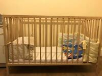 Baby cot with mattress + bumper