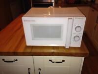 Russell Hobbs microwave 750W