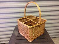 Wicker bottle basket