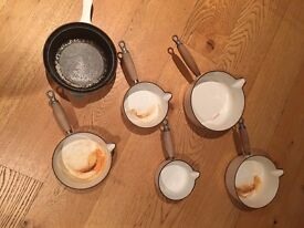 6 le creuset saucepans slighty marked inside WITH LIDS
