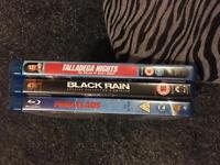 3 Blu-Ray discs.