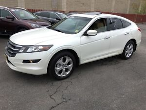2010 Honda Accord Crosstour EX-L, Navigation, Leather, Sunroof,