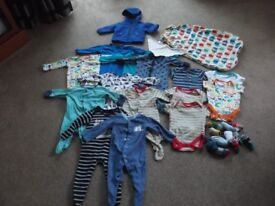 LARGE BUNDLE OF BABY CLOTHES 0-3 MONTHS