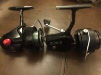 2 x fishing reels