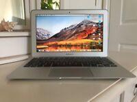 Apple MacBook Air (11-inch, Late 2010), 128 GB, 1.4GHz Intel Core 2 Duo, 4GB